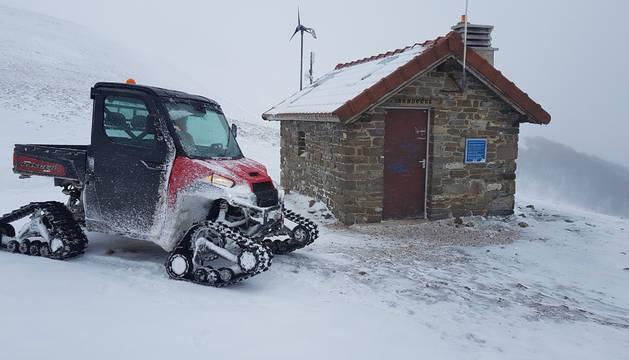 El vehículo de rescate de montaña de los bomberos de Burguete