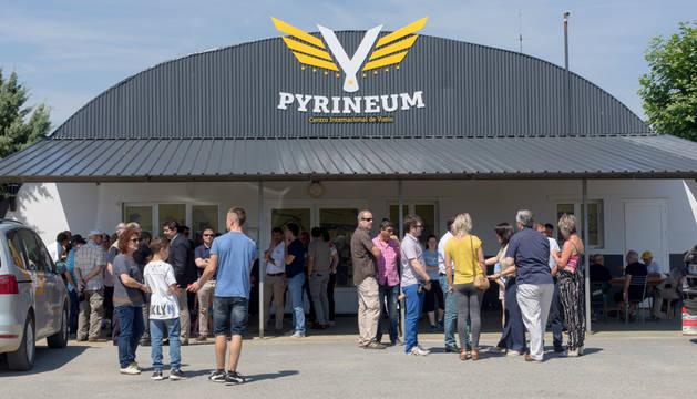 Foto del exterior del Centro Internacional de Vuelo 'Pyrineum', Lumbier.