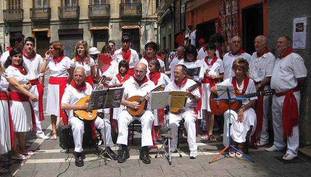 Tres nuevas jotas a San Fermín de la mano de Gracia Navarra y Ecos del Arga