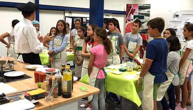 Todavía quedan plazas para el taller de cocina infantil del sábado