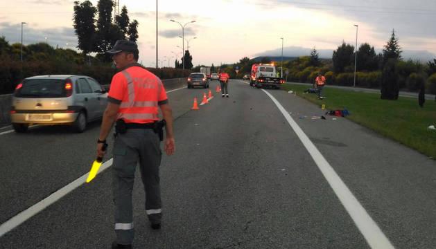 Fallece un motorista en la PA-30 en Tajonar