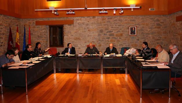Imagen de una sesión en el Ayuntamiento de la cendea de Cizur.