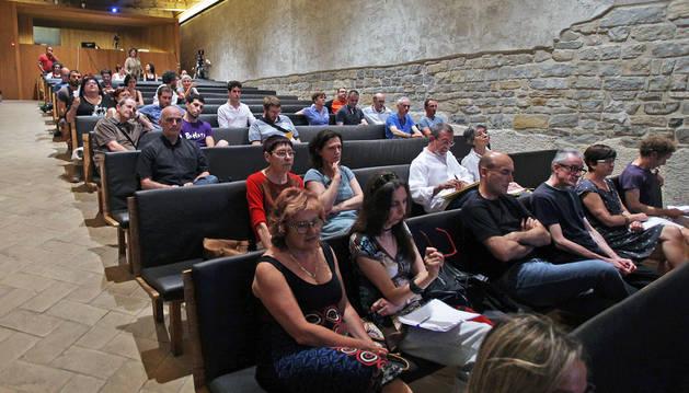 Foto de parte del público asistentes ayer el foro del Casco Antiguo, que acogió el Condestable.