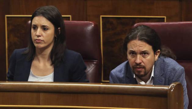 Imagen de la portavoz del grupo de Unidos Podemos en el Congreso, Irene Montero, y el secretario general del partido, Pablo Iglesias.