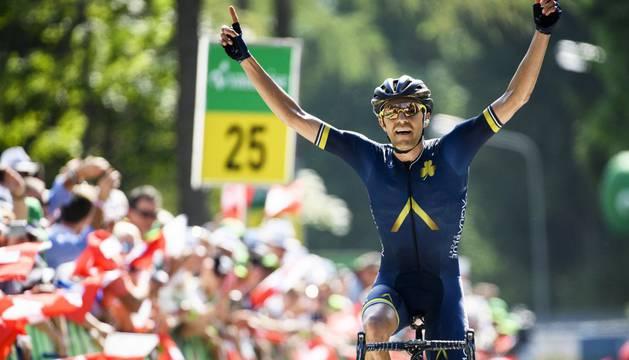 Warbasse celebra su victoria en la cuarta etapa de la Vuelta a Suiza