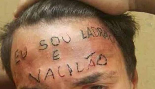 El joven tatuado