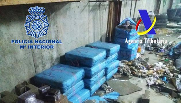 Intervenidas 2,4 toneladas de hachís en una operación en la costa de Huelva