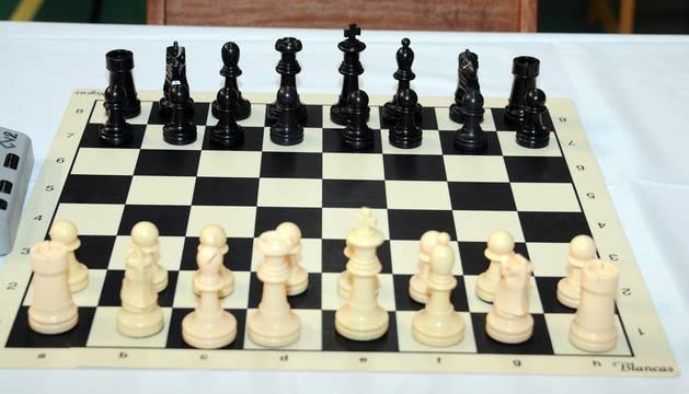 La mañana del 11 de junio se celebró en el pabellón polideportivo municipal Las Luchas de Peralta el IV Torneo Escolar de ajedrez, que se disputó en seis rondas en las categorías sub 8, sub 10, sub 12, sub 14 y mayores de 14 años. A la tarde, la jornada se completó con el  II Torneo Nacional colocapiezas de ajedrez que organiza el club local.