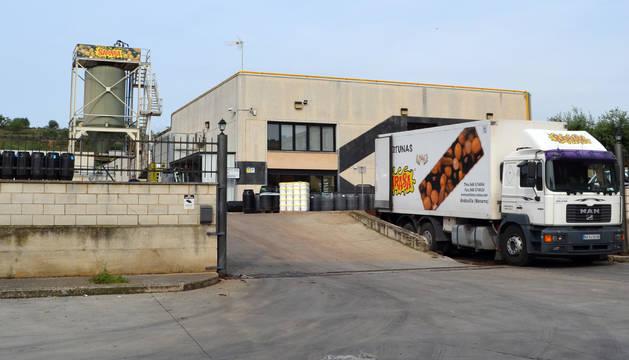Vista exterior de la planta que la empresa Aceitunas Sarasa posee en Andosilla.