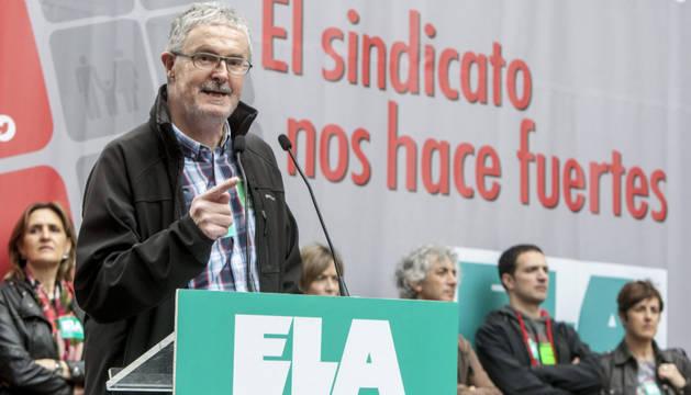 El secretario general de ELA en una manifestación