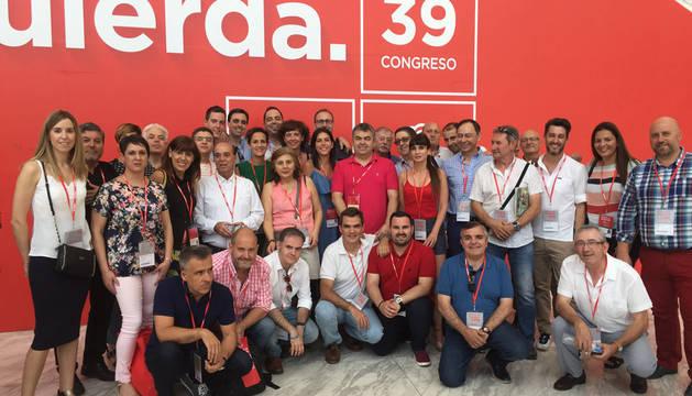 Delegación navarra que acude al Congreso del PSOE