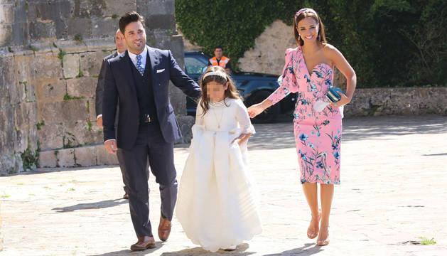 David Bustamente y Paula Echevarría, junto a su hija Daniella.