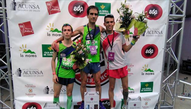 Podio masculino de la carrera de 21k de la San Fermín Marathon.