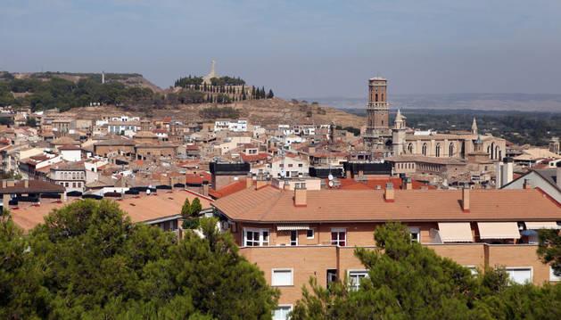 Una vista general de viviendas en el casco urbano de la capital ribera.