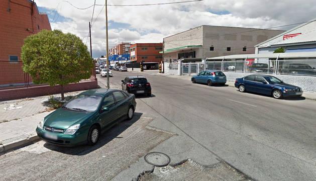 Roba un coche con un niño de 2 años dentro en Madrid y lo abandona en Alcorcón