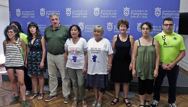 El alcalde Asiron posa con los representantes de las cuatro candidaturas.