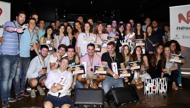 Foto de grupo con los vencedores de la cita
