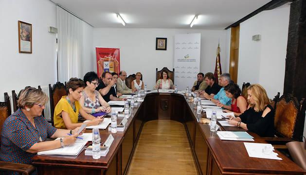 Reunión de la Mesa y Junta de Portavoces en el Ayuntamiento de Alsasua.