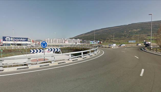 Foto de una rotonda entre Berriozar y Artica.