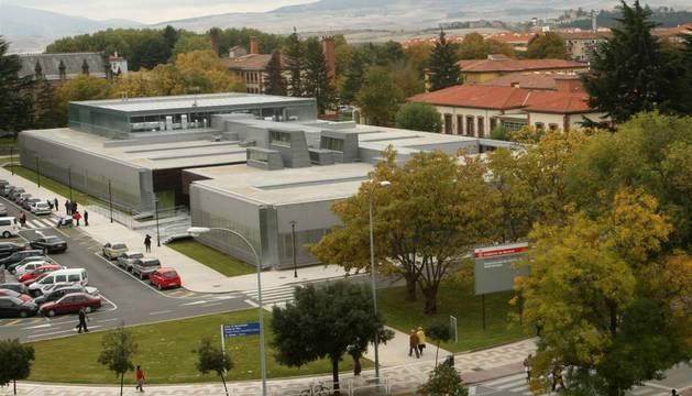 Edificio de radioterapia del Complejo Hospitalario de Navarra.