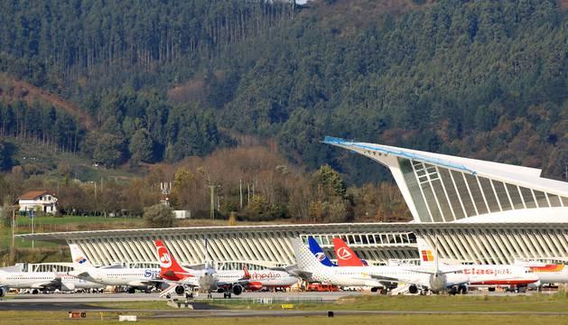 Foto de la variedad de vuelos internacionales, uno de los atractivos del aeropuerto de Bilbao.