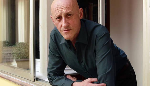 El fundador, vocalista, compositor y líder de Ilegales, Jorge Martínez.