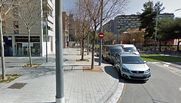Dos 'lateros', heridos al caer por el balcón al huir de los Mossos en Barcelona