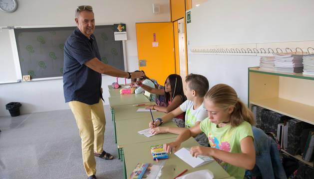 Votan para hacer un jardín temático en un colegio de Sarriguren