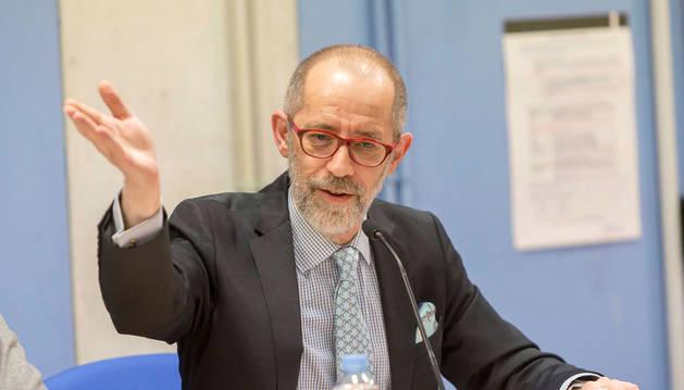 El Gobierno designa cinco miembros del patronato de la Fundación Caja Navarra
