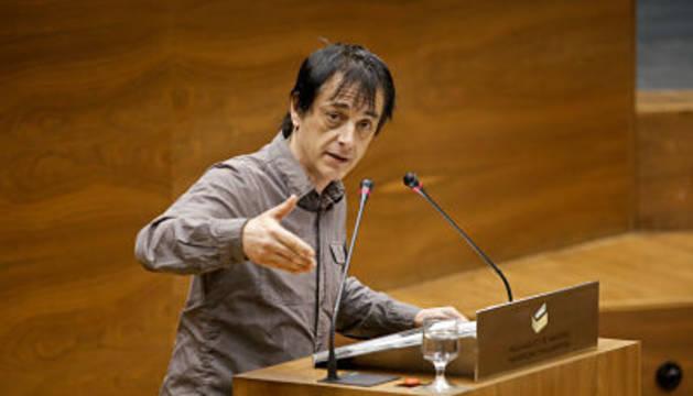 Couso, en el Parlamento de Navarra