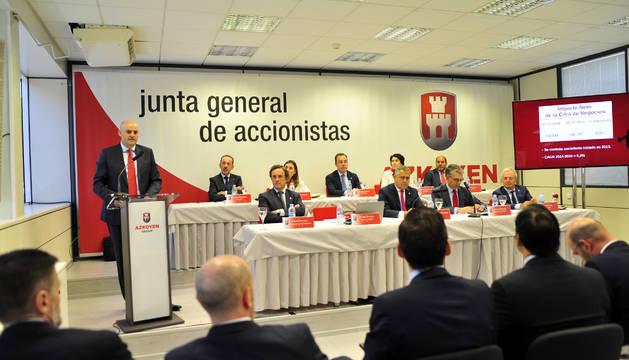 Un momento de la junta general de accionistas que Azkoyen celebró ayer en su sede de Peralta.