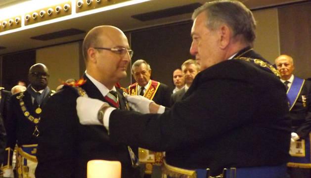 Óscar de Alfonso en una asamblea general de la Gran Logia Española