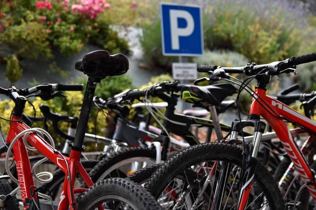 Imagen del parking para bicicletas en la Ciudad Deportiva Amaya.