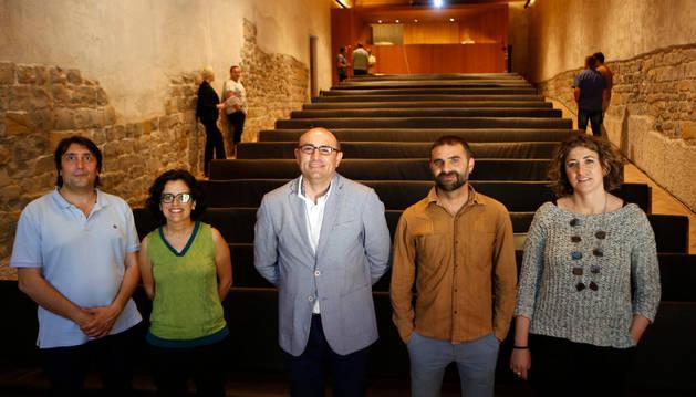 Desde la izda; Ricardo Hernández (Gaz Kalo), Edurne Jáuregui (Cocemfe), Miguel Ángel García (Policía Local de Fuenlabrada), Xabier Sánchez (Kattalingune) y Sara Gómez (Cáritas).