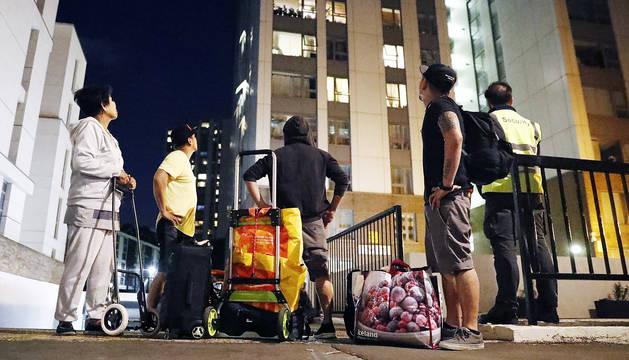 Más de 80 personas se niegan a desalojar sus apartamentos en Londres