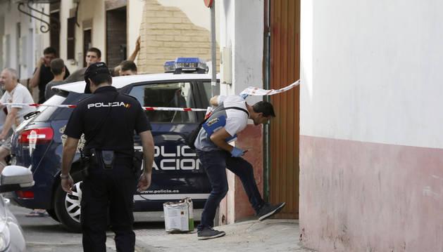 Fallece una mujer apuñalada presuntamente por su pareja en Sevilla