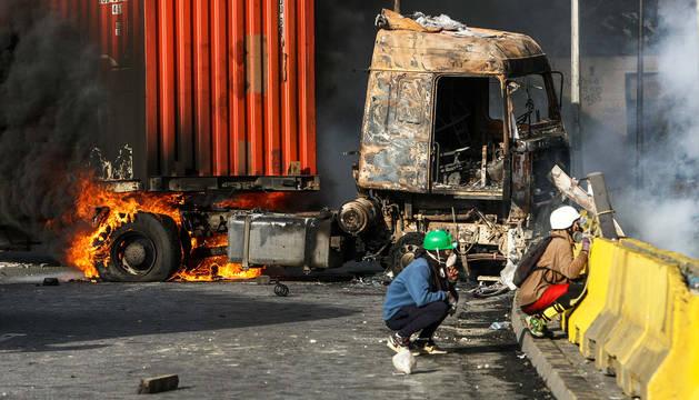 Nueva jornada de 'trancazo' en Venezuela con momentos de tensión