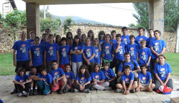 Imagen de participantes de una edición anterior del campamento de ANADI.