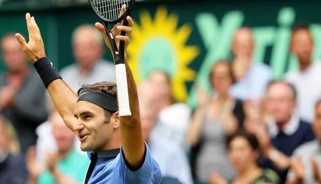 El suizo Roger Federer celebra su victoria sobre Zverev