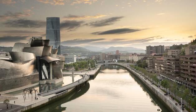 Una vista de la ría de Bilbao