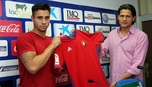 Jaime Romero, el día de su presentación con Osasuna.