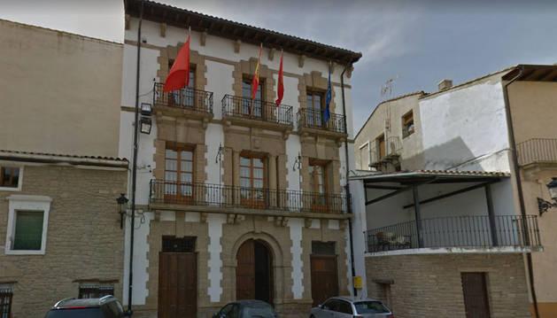Fachada del ayuntamiento de Carcastillo.