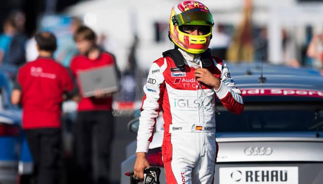 Mikel Azcona, piloto de Falces, en una prueba anterior de la copa.