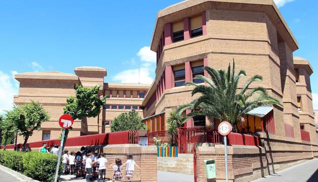 Imagen exterior del colegio de la Compañía de María de Tudela.