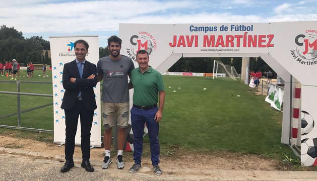 De izquierda a derecha, Gerardo Echavarren, Javi Martínez y Leo Camaces