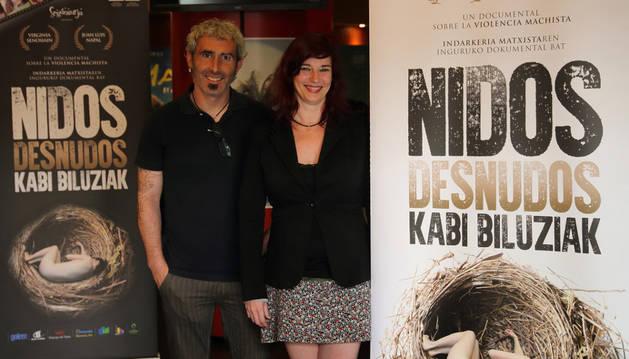Imagen de Juan Luis Napal y Virginia Senosiain, este jueves, en los cines Golem Yamaguchi de Pamplona.