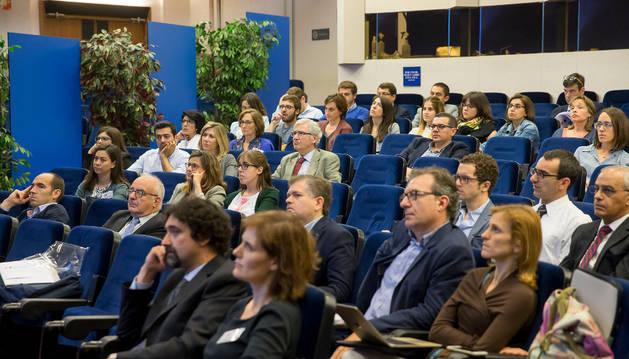 Imagen de una reunión de nefrólogos en el Colegio de Médicos.