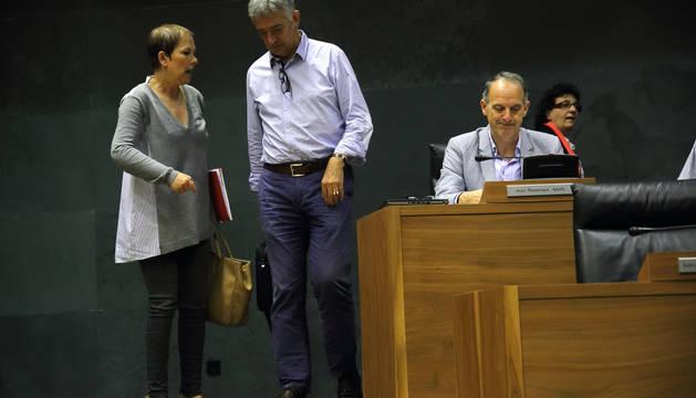 Barkos en el pleno del Parlamento de Navarra