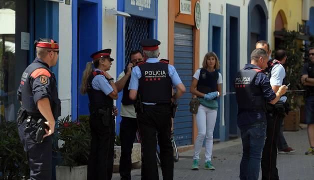 Un muerto y una herida crítica en un tiroteo en un bar de Vilanova (Barcelona)