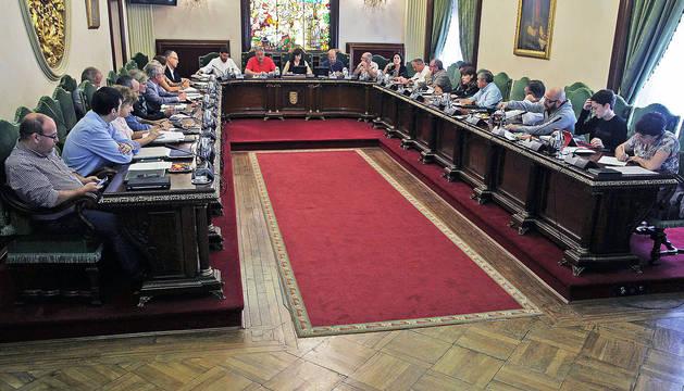 El cuatripartito reafirma su pacto y UPN dice que seguirá la crisis